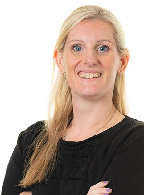 Maxine Chenoweth, Associate
